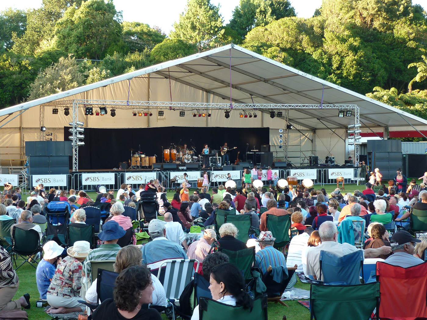 gardens main stage