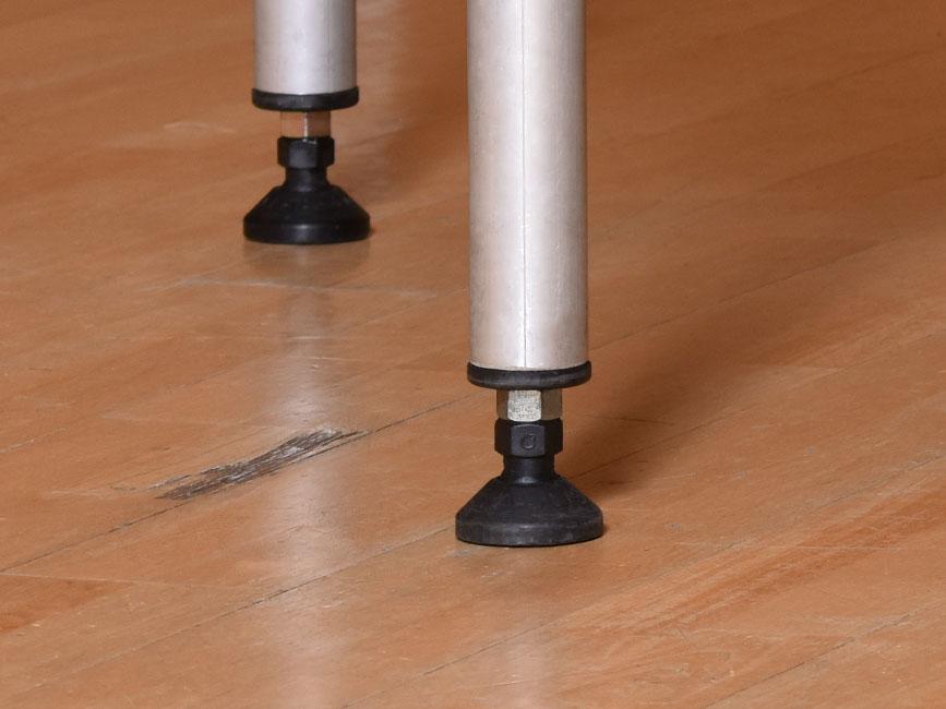 Stronglite's adjustable leg system